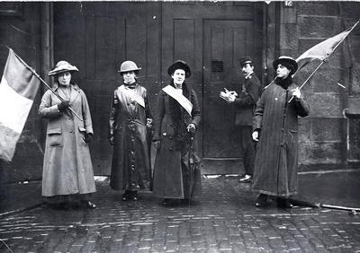 Theglasgowstory Suffragettes Picket