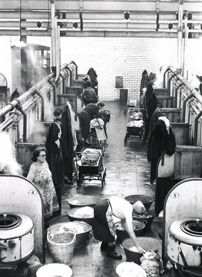 Keywords: babies, gossip, laundries, laundry, Partick Public Baths and Wash-house, prams, steamies, wash-houses, washing, women